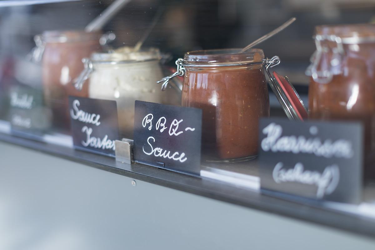 Selbst gemachte Saucen soweit das Auge reicht. ©Darko Todorovic